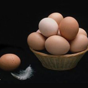 В Татарстане, женщина пронисла в колонию самогон в яйцах